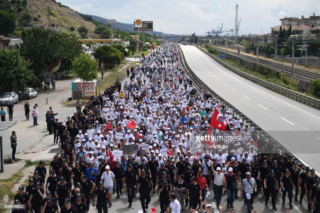 TURKEY-POLITICS-OPPOSITION : News Photo