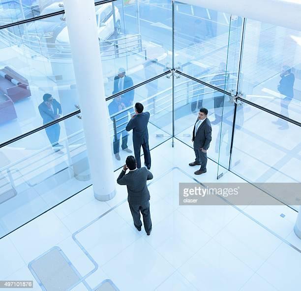 Trois hommes d'affaires de Singapour
