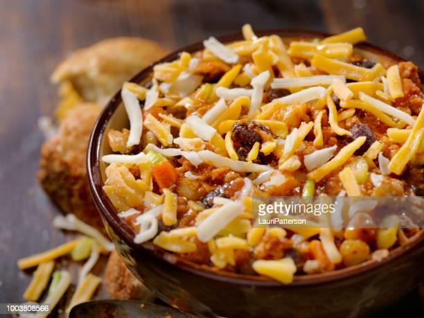 feijão chili com lentilhas - pimenta em pó - fotografias e filmes do acervo