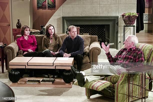 FRASIER Three Blind Dates Episode 17 Pictured Jane Leeves as Daphne Moon Peri Gilpin as Roz Doyle David Hyde Pierce as Doctor Niles Crane John...