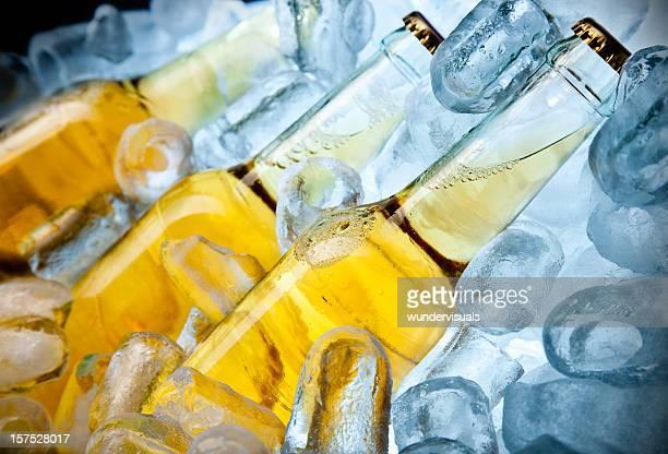 Drei Bootles Bier auf Eis