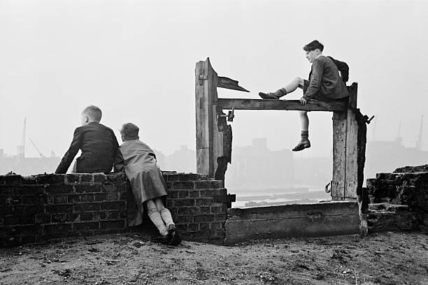 Boys Watch Shipping Wall Art