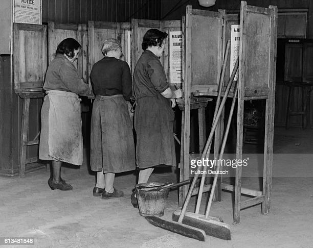 Three Charladies Voting This Morning At Whitechapel Polling Booth