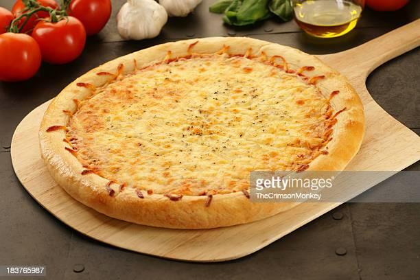 tre pizza di formaggio - pizza margherita foto e immagini stock