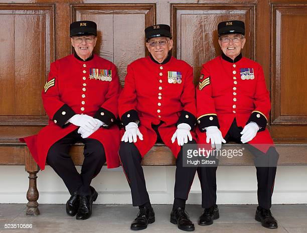 three chelsea pensioners - chelsea pensioner stock pictures, royalty-free photos & images