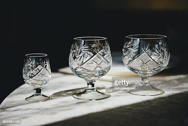 three crystal glasses - kristallglas stock-fotos und bilder