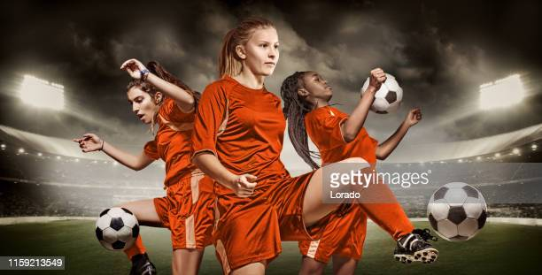 three dutch female soccer players - calcio di squadra foto e immagini stock