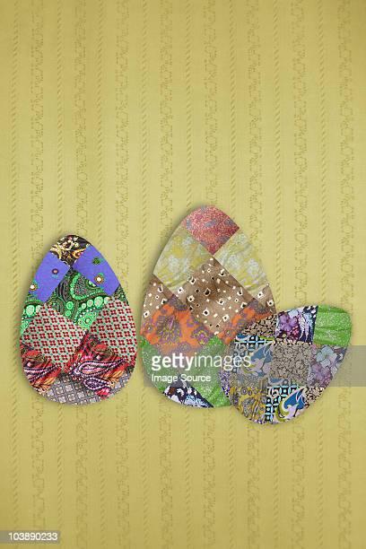 three easter eggs - aplique arte de la costura fotografías e imágenes de stock