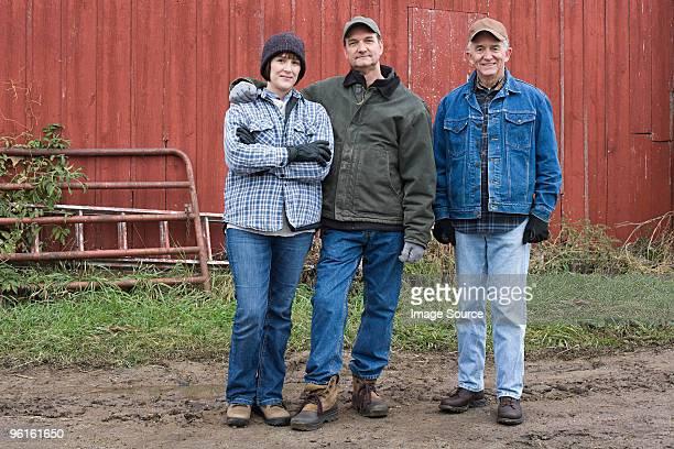 three farmers - región central de eeuu fotografías e imágenes de stock