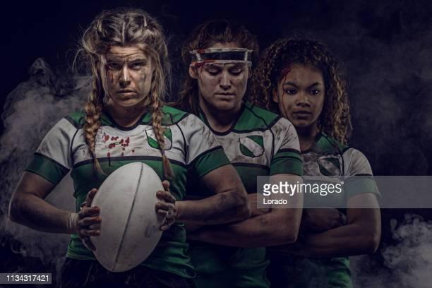 3人の女性ラグビー選手 - ラグビートーナメント ストックフォトと画像
