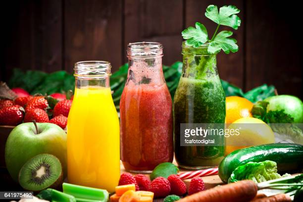 three fruits and vegetables detox drinks - bibita foto e immagini stock