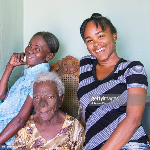 3 世代のキューバ女性用 - アンティル諸島 ストックフォトと画像