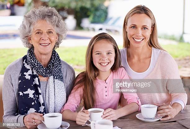 Tres generaciones de la felicidad