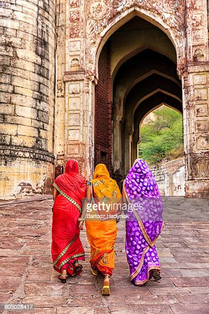 Three Indian women on the way to Mehrangarh Fort