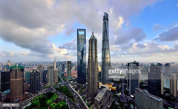 three landmark skyscraper, shanghai - shanghai world financial center - fotografias e filmes do acervo