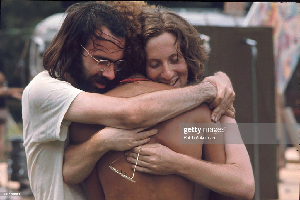 A Three Man Hug : News Photo