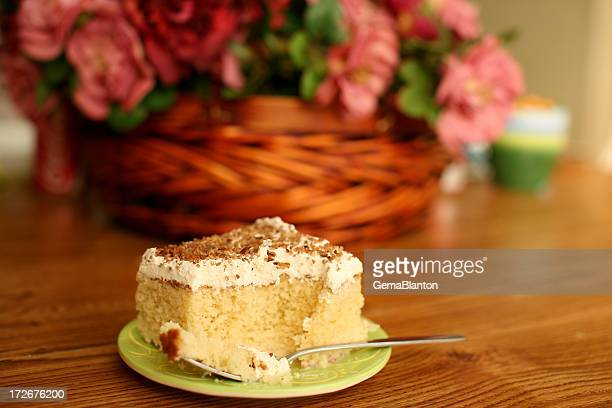 tres leches cake - três pessoas stock pictures, royalty-free photos & images