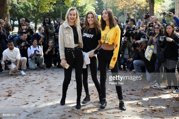 Three Models pos for photographers after the Mugler show as part of the Paris Fashion Week Womenswear Spring/Summer 2018 on September 30 2017 in...