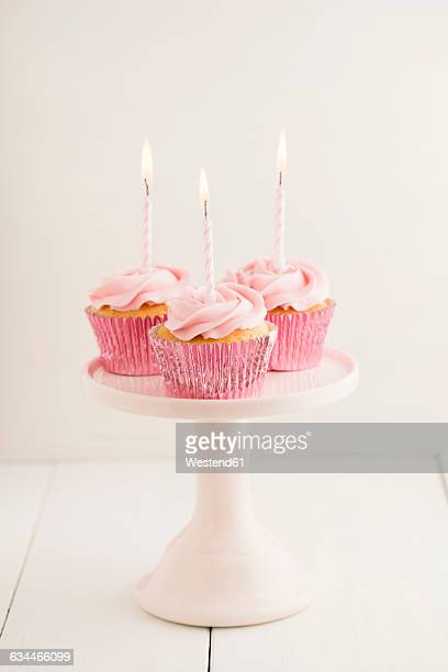 Astounding 60 Top Birthday Cakes Fotos En Beelden Getty Images Personalised Birthday Cards Paralily Jamesorg