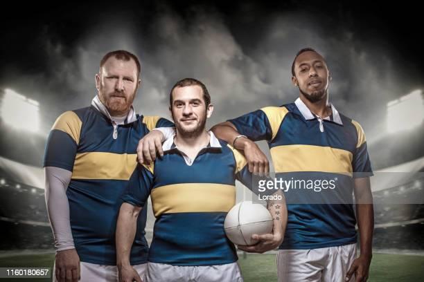3人のラグビー選手 - ラグビートーナメント ストックフォトと画像