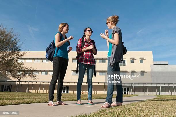 Três Meninas ASL Escola