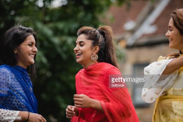 Drei Frauen ist der Sari