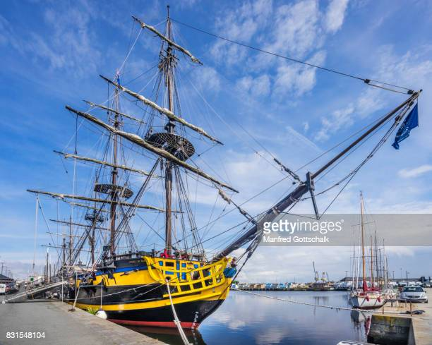 three-masted frigate etoille du roy - etoille stock pictures, royalty-free photos & images