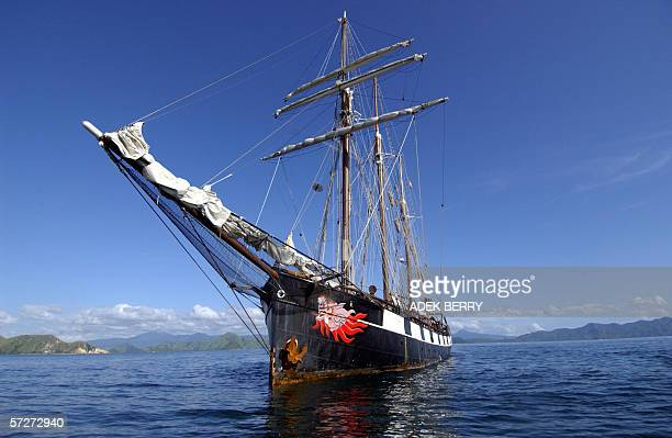 Three-masted schooner ship La Boudeuse is seen on Flores sea, 07 March 2006. Captain of La Boudeuse Patrice Franceschi and his crews held a reseach...