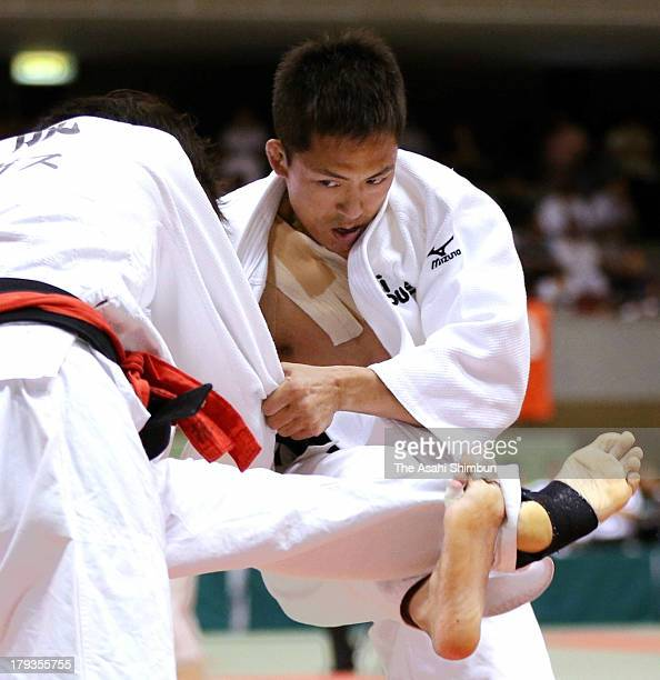 Threetime Olympic judo gold medalist Tadahiro Nomura in action during the All Japan Businessmen's Judo Individual Championships at Bay Com Gymnasium...