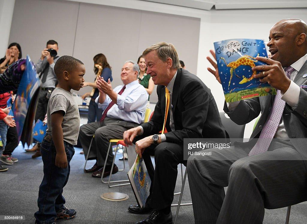 One Book 4 Colorado program : News Photo