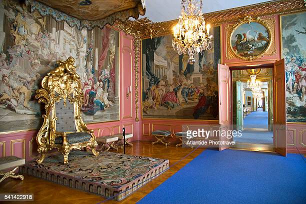 throne room in the royal palace, stockholm, sweden - リッダーホルメン王宮 ストックフォトと画像
