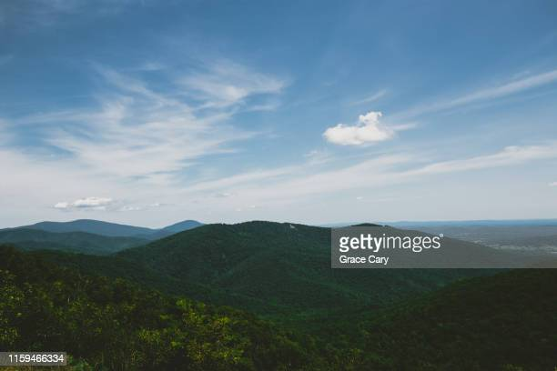 through the valley - shenandoah_national_park stock pictures, royalty-free photos & images