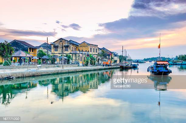 thu bon river, hoi an, vietnam water reflections - hoi an stock pictures, royalty-free photos & images
