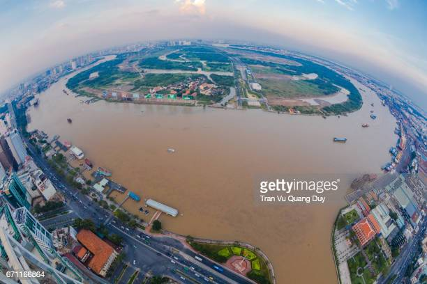 thu thiem is situated on a point bar of the saigon river in the municipal division known as district 2. on the opposite bank of the river are district 1—ho chi minh city's central business district—district 7, and the binh thanh district. - thiem stock-fotos und bilder