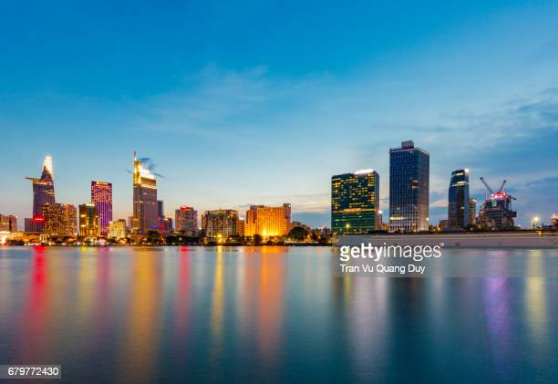 thu thiem new urban area is a new urban development project at thu thiem peninsula, in district 2 opposite district 1 across the saigon river, ho chi minh city. - thiem foto e immagini stock