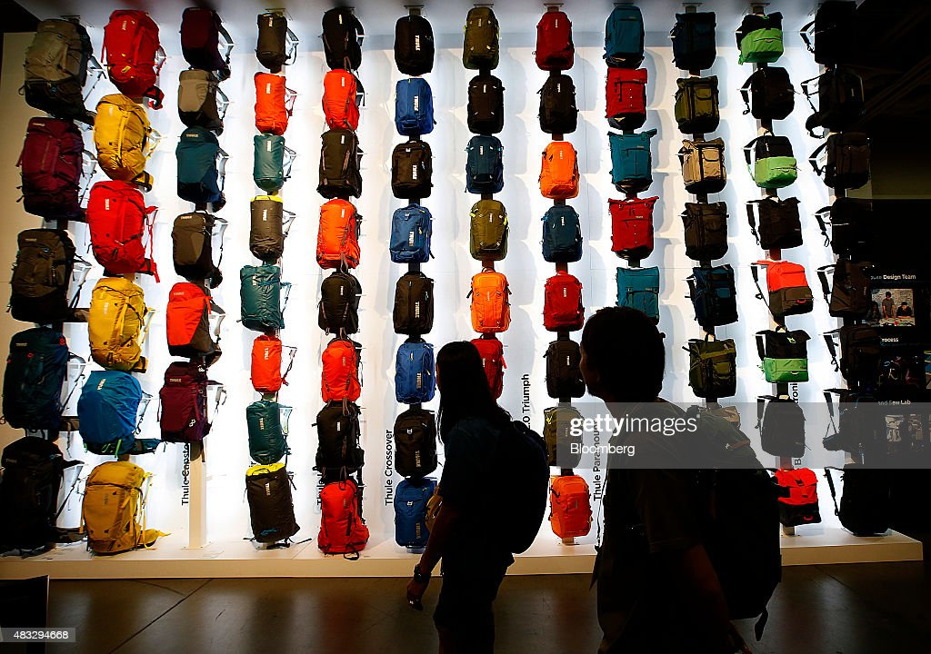 Shoppers At The Outdoor Retailer Show : News Photo