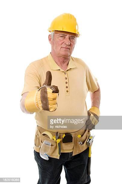 Daumen hoch von einem senior Arbeiter