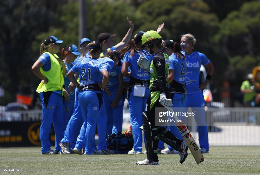 WBBL - Thunder v Strikers
