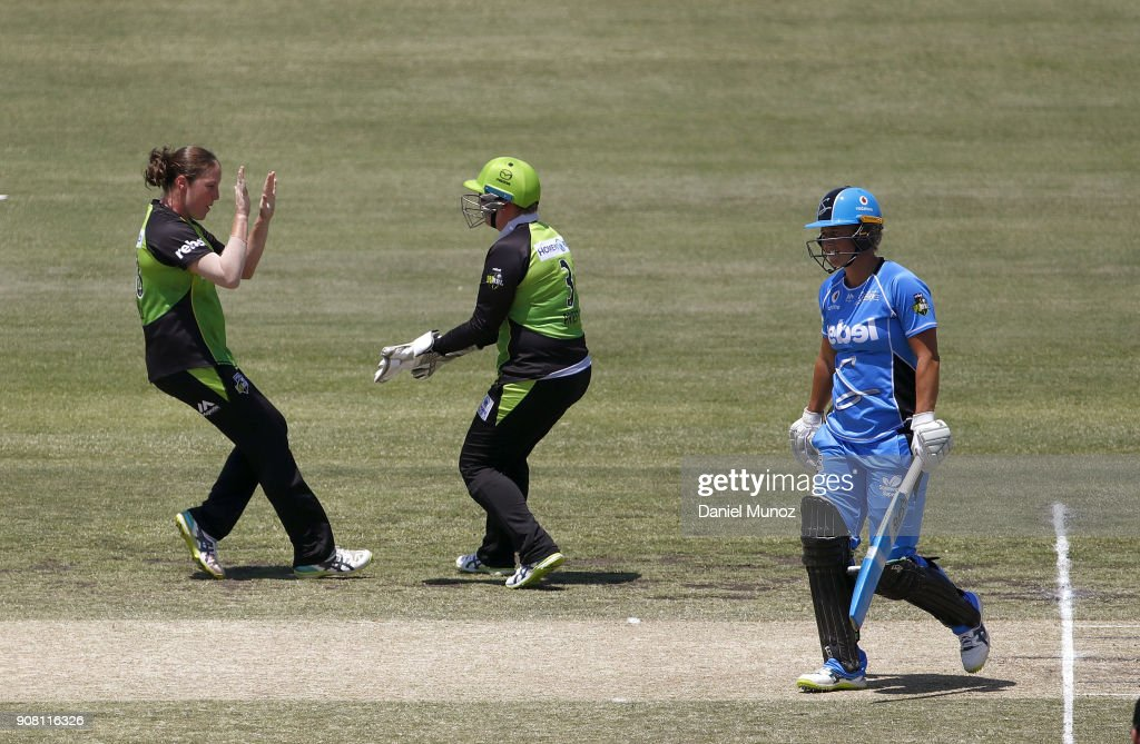 WBBL - Strikers v Thunder