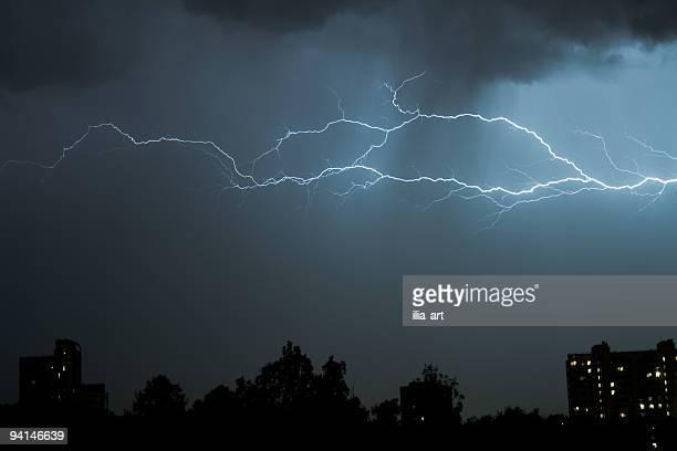 Thunderbolt dans la nuit d'orage