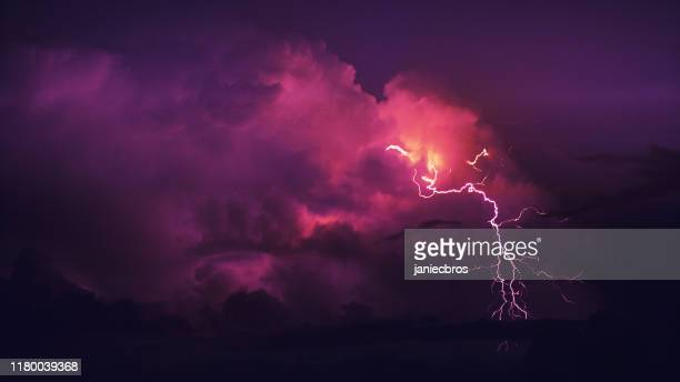 thunderstor. - lightning stock pictures, royalty-free photos & images