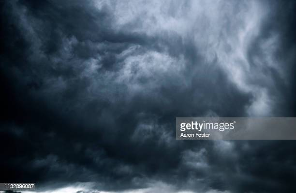 thunderstorm clouds - storm cloud stock pictures, royalty-free photos & images