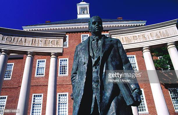 thurgood marshall statue in state house square. - maryland us state stock pictures, royalty-free photos & images