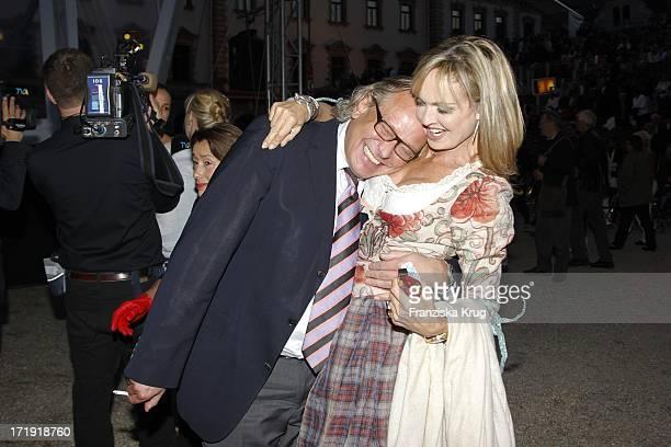 Gerhard Meir Und Maya Gräfin Von Schönburg Glauchau Bei Den Thurn Und Taxis Schlossfestspielen Auf Schloss Emmeran In Regensburg Eröffnung Mit...