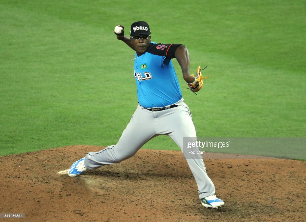Thyago Vieira #40 of the Seattle Mariners and the World Team delivers the pitch against the U.S. Team during the SiriusXM All-Star Futures Game at Marlins Park on July 9, 2017 in Miami, Florida.