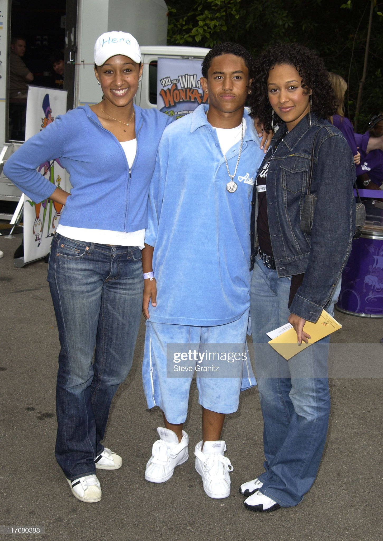 ¿Cuánto mide Tamera Mowry? - Altura - Real height Tia-tamera-brother-tahj-mowry-at-the-target-a-time-for-heroes-the-picture-id117680388?s=2048x2048