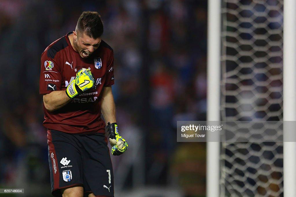 Queretaro v Chivas - Final Copa MX Apertura 2016 : News Photo