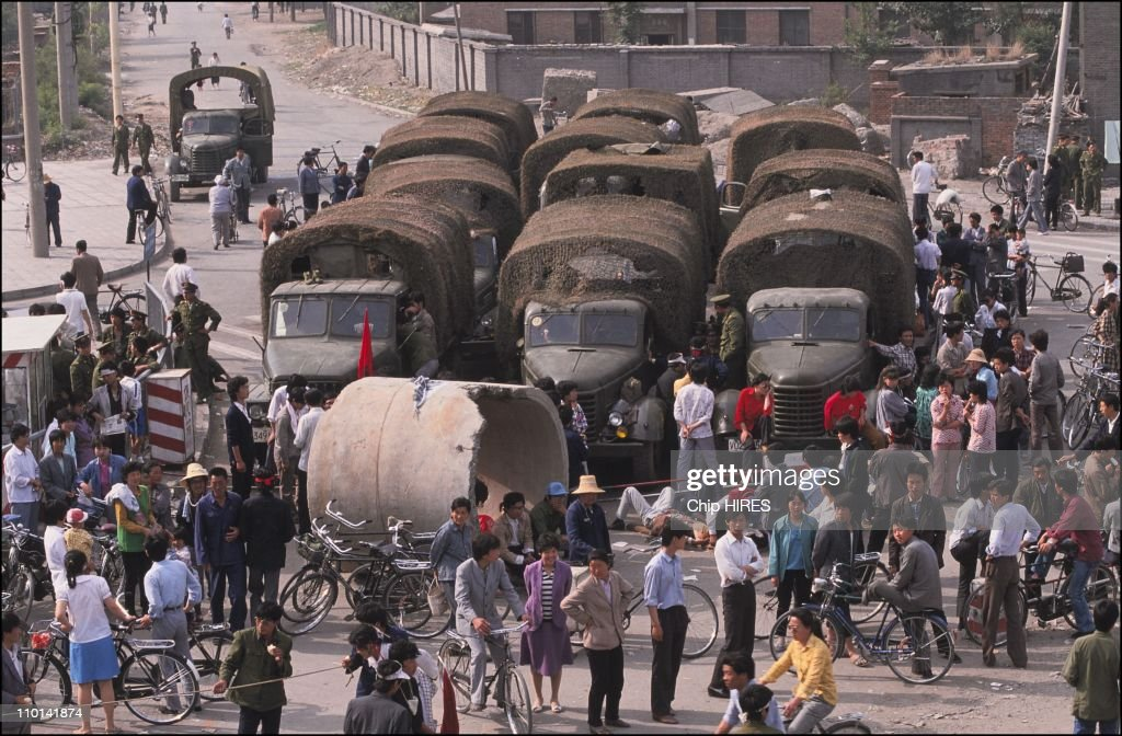 Paralyzed army by the students in Beijing, China on May 22, 1989.  : ニュース写真
