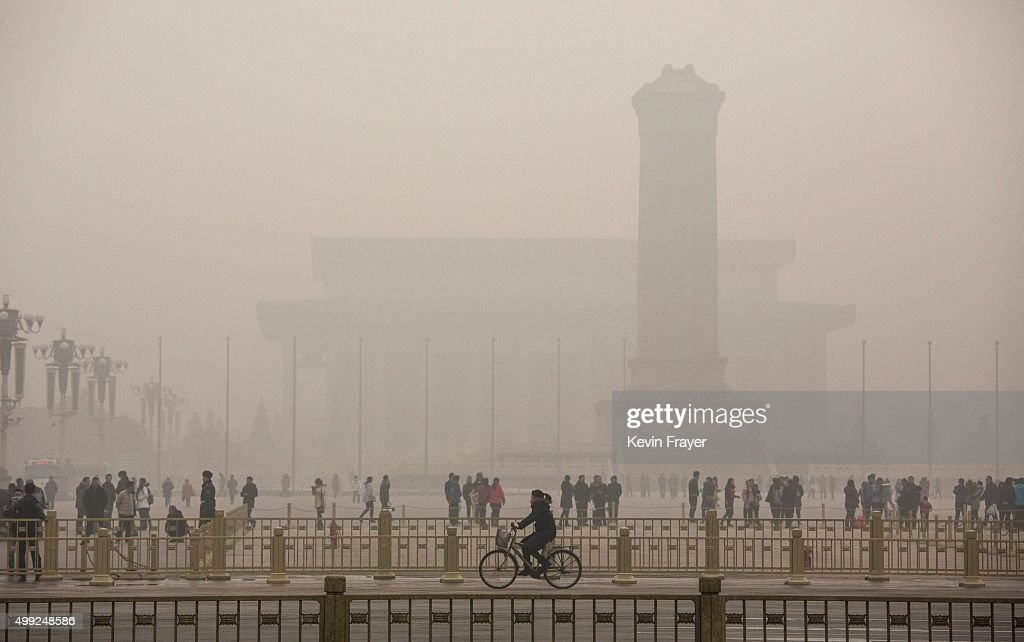 Beijing Blanketed In Heavy Smog : News Photo