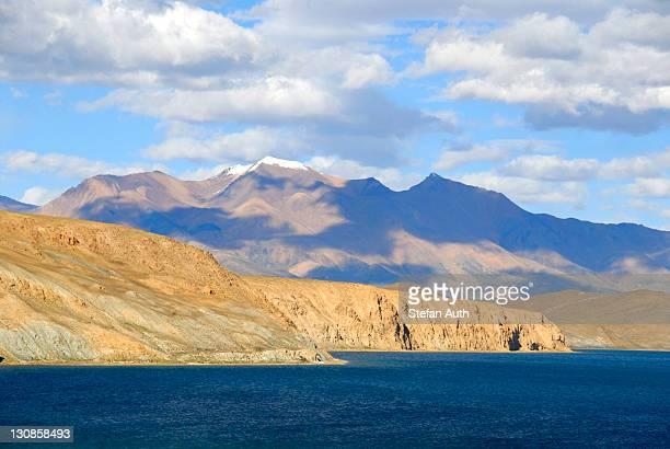 Tibetan Buddhism, sacred lake Manasarovar, Mapham Yutsho, Bon Ri mountain at back, Kailash region, Gang-Tise Mountains, Trans-Himalaya, Himalayas, Tibet Autonomous Region, People's Republic of China, Asia